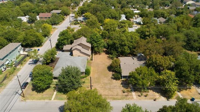 928 East 52nd Street Austin, TX 78751 - Photo 2 of 20